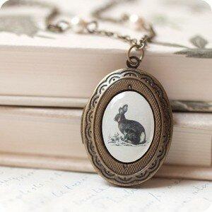 Медальон Кролик