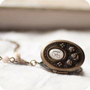Медальон Монограмма