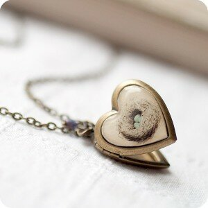 Медальон Гнездышко